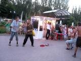 Бомжи танцуют тектоник в не скажу!  2010